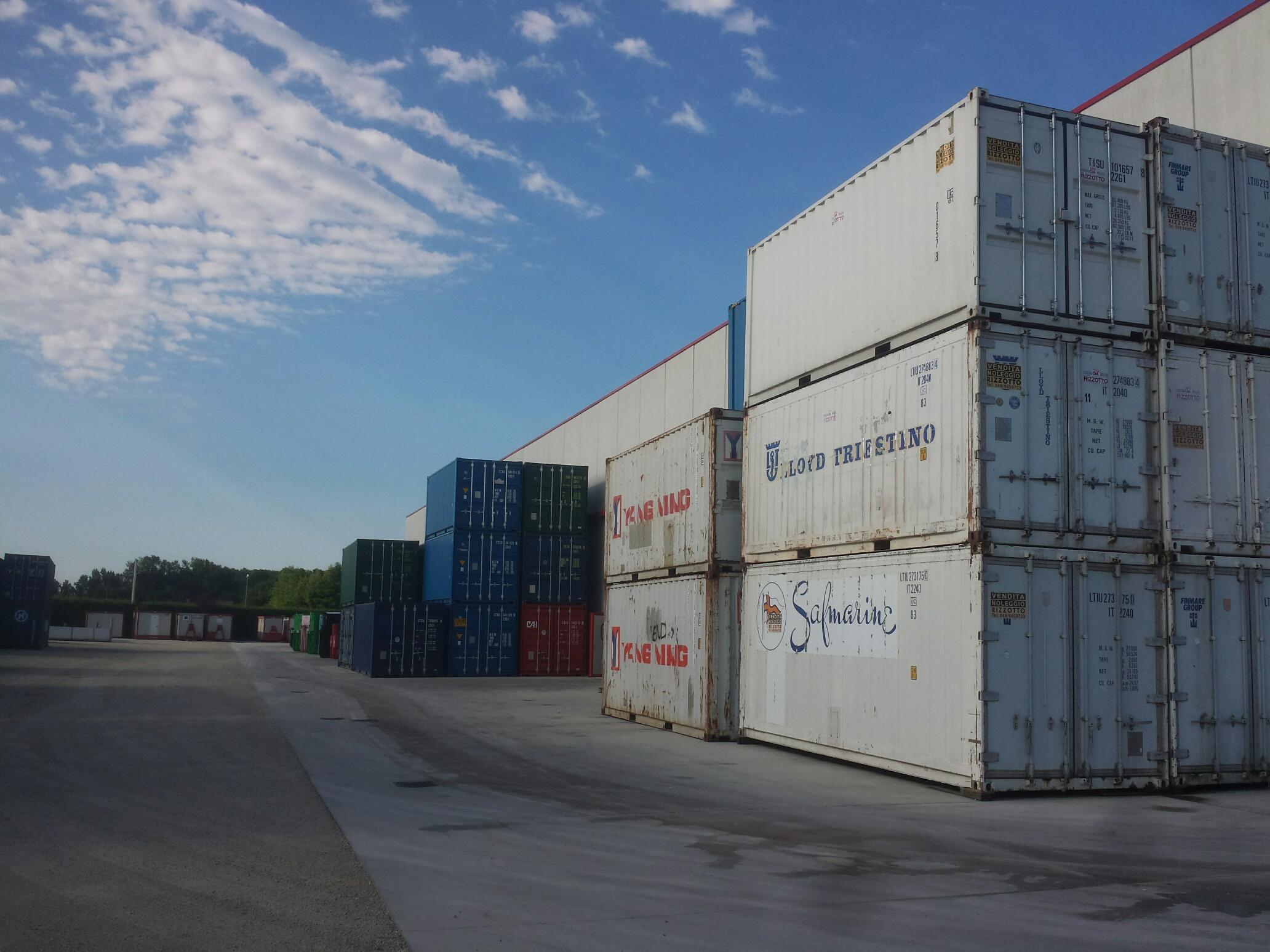 """Containers 20″ e 40 """" nuovi ed usati in ottimo stato"""